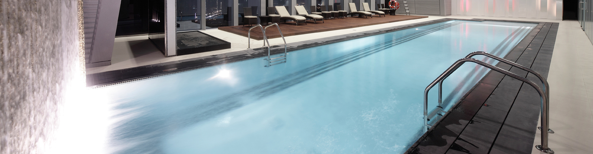 Constructeur de piscine int rieure centerspas for Constructeur de piscine