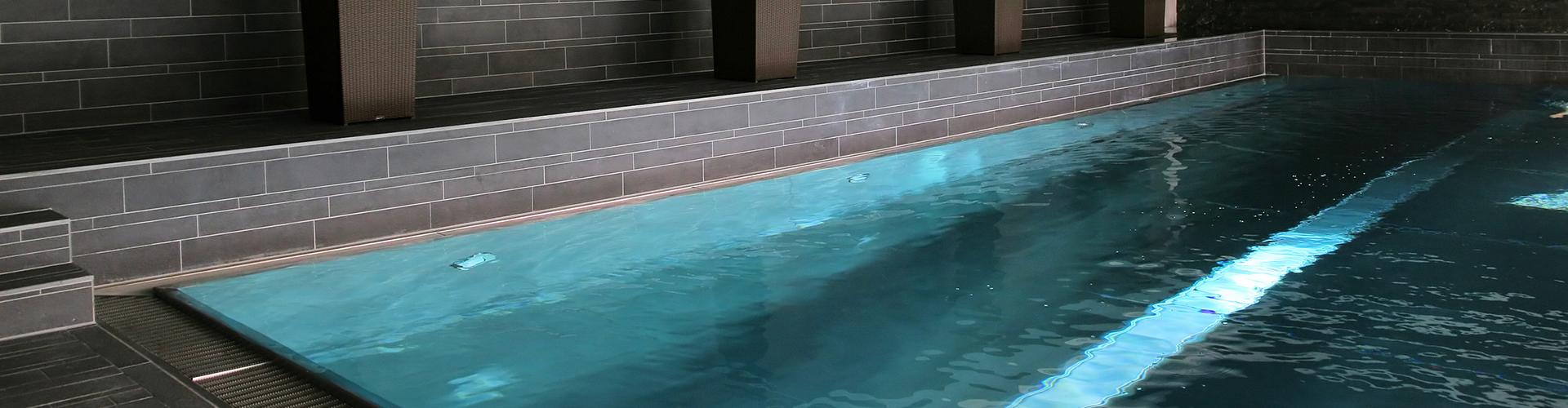 Constructeur de piscine int rieure centerspas for Constructeur piscine