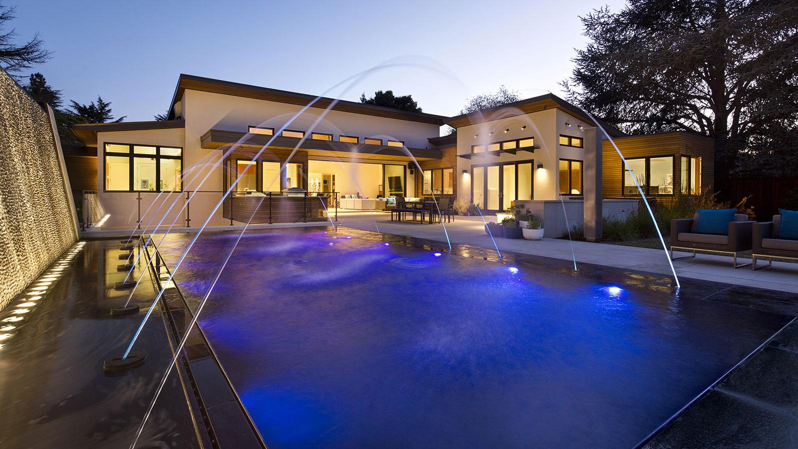 Centerspas construction de piscine spas saunas et hammam for Piscine sauna hammam